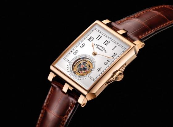 朗格手表有雾气怎么办?