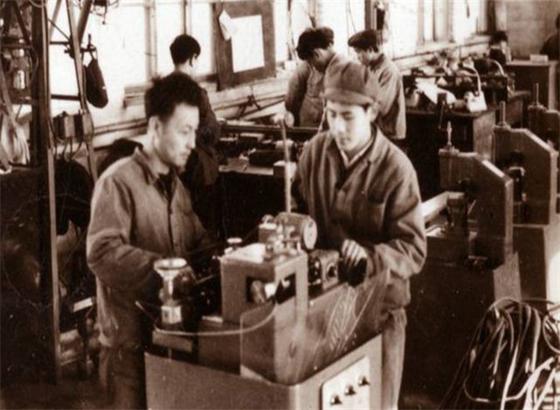 北京表老款手表如拆卸和装配应该注意哪些方面?