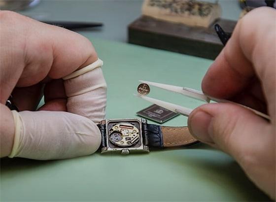 LV路易威登手表如果使用一年了就必须要换电池吗?