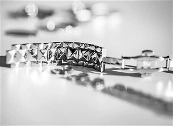 如何为Dior迪奥腕表挑选合适的表带