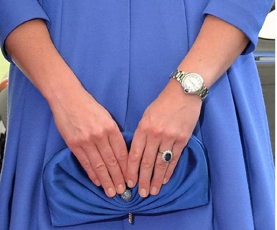 卡地亚蓝气球系列这几款腕表好漂亮,爱的魔力转圈圈