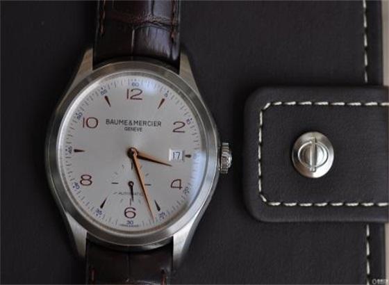 名士手表需要手动上弦吗?
