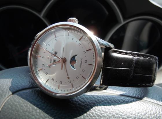 艾美手表如何更换后盖