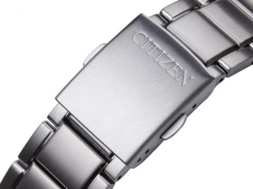 如何更换西铁城手表的表带?