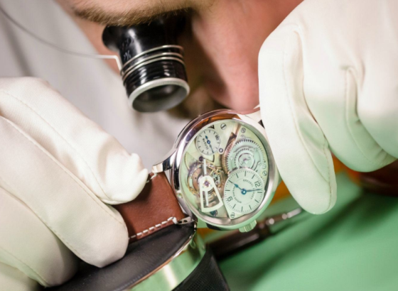 如何清洁百达翡丽手表表带
