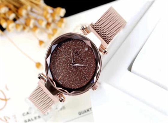迪奥手表如何调整表带的尺寸?