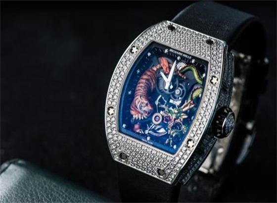 关于理查德米尔手表电池的更换