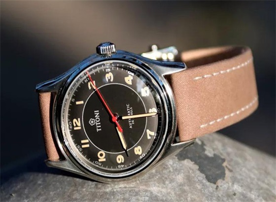 瑞士梅花表全新传承系列腕表,致敬永恒经典