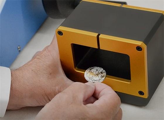 朗格腕表受磁处理