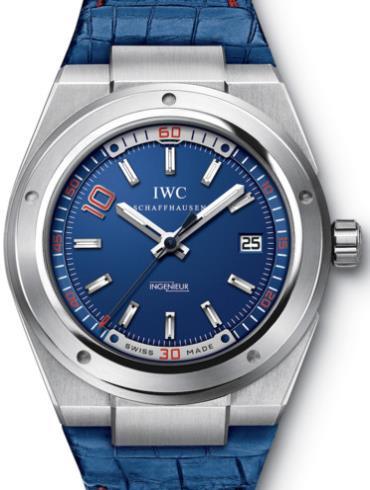 万国工程师系列IW323403蓝色表盘