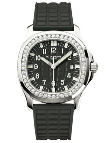 百达翡丽Aquanaut系列5067A-001黑色表底盖