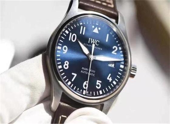 万国手表的镜面保养