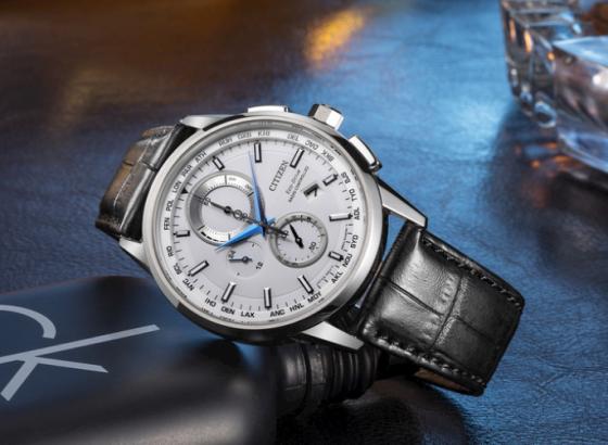 如何自己更换西铁城手表表带