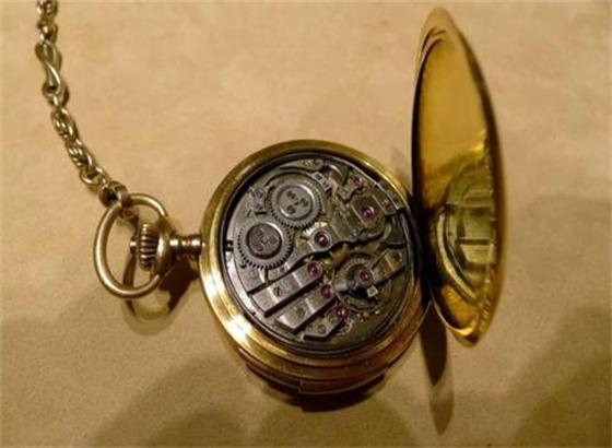 真力时手表的防水橡胶圈会老化吗
