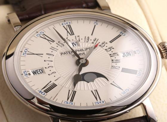 百达翡丽手表的皮表带有异味怎么办?