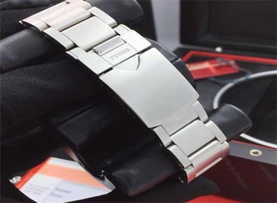 帝舵手表及表带的使用建议