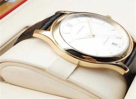 萧邦手表的保养及流程