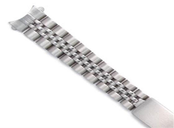 百达翡丽手表如何更换表带