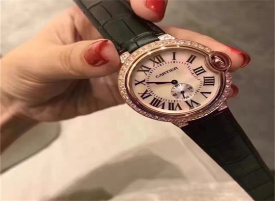 卡地亚手表更换新表带