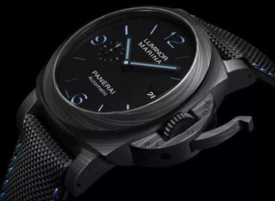 更换防水爱彼手表的电池?
