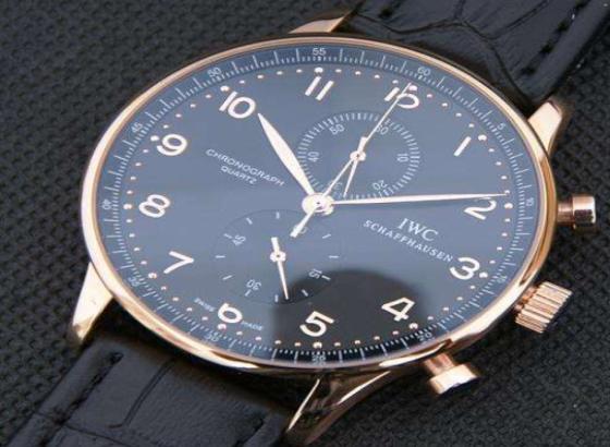 万国手表更换手表表蒙