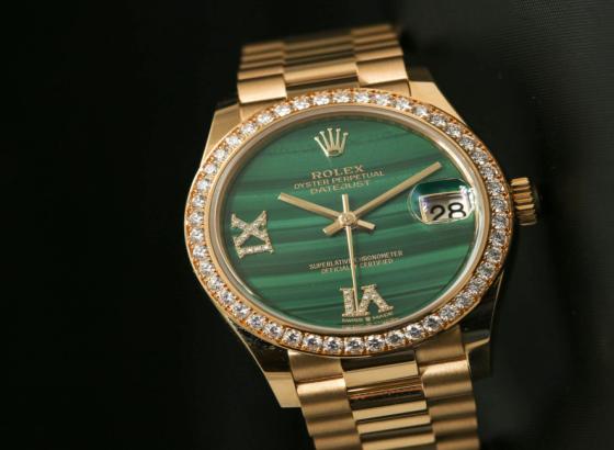 翠绿手表庆祝劳力士图蒂玛和法贝热在社交上相距遥远的2020