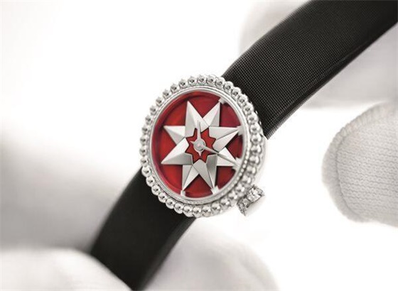 迪奥手表更换表带如何操作