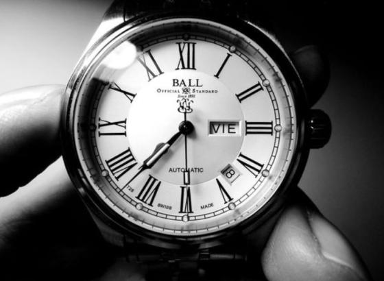 波尔手表什么是拧紧式表冠?