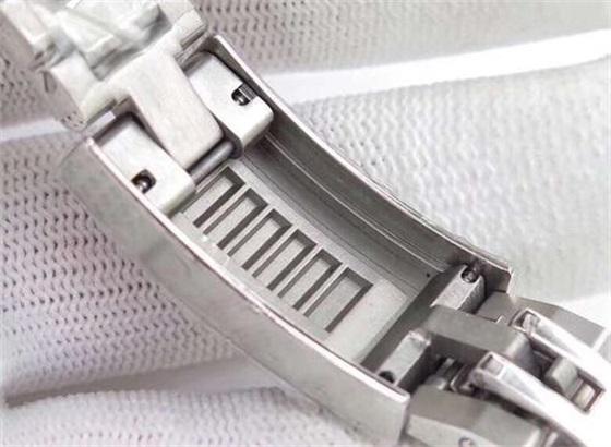 怎样收紧路易威登手表表链的扣环