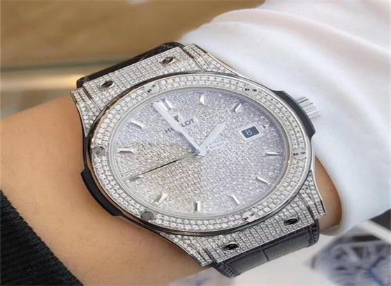 宇舶手表如何保养和维修?