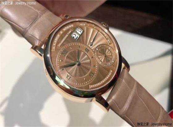 朗格手表及表带的使用建议