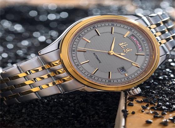 北京手表钢带要怎么清洗呢?