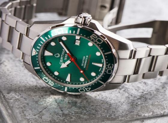 雪铁纳手表的保养和维修