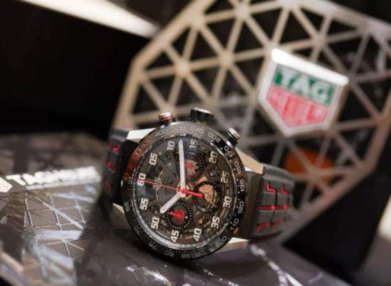 泰格豪雅手表表带的清洗