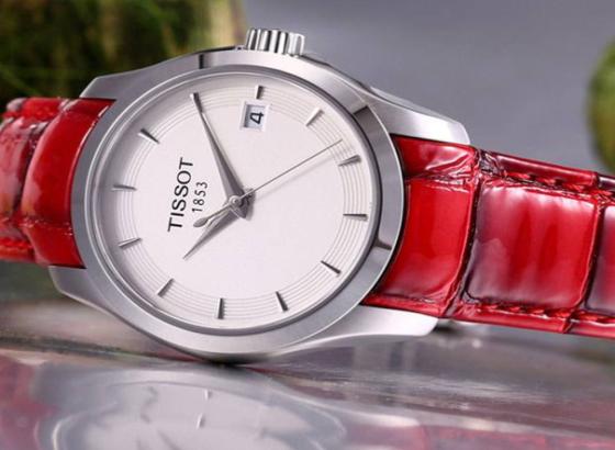 天梭石英表怎么设置时间和日期?
