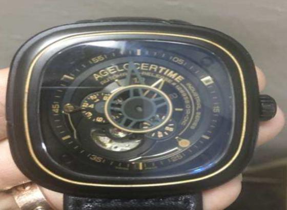 艾戈勒手表电池怎样知道快没电了