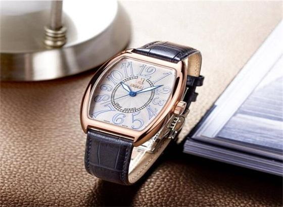 依波路手表调整时间和日期