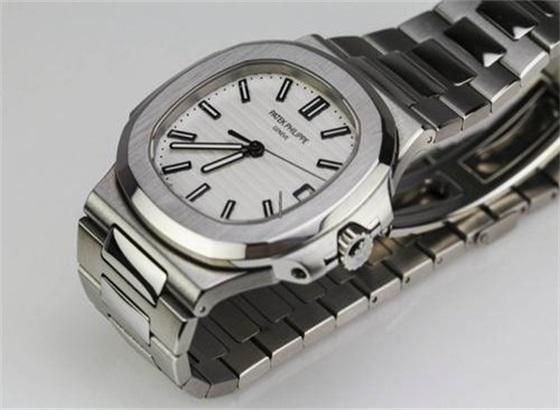 积家手表如何更换金属表带