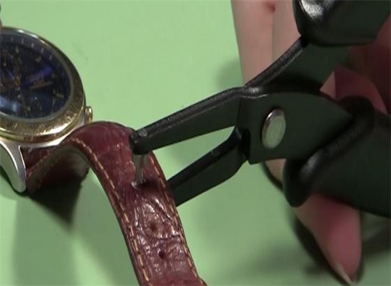 朗格手表如何缩短皮表带