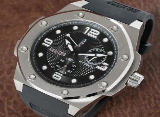 海鸥手表表蒙有痕迹怎么处理?