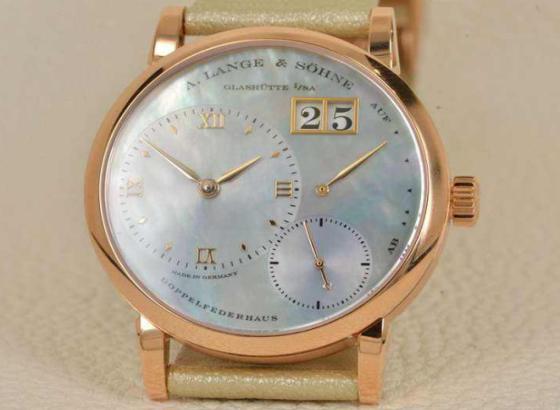 朗格手表表带更换与维修