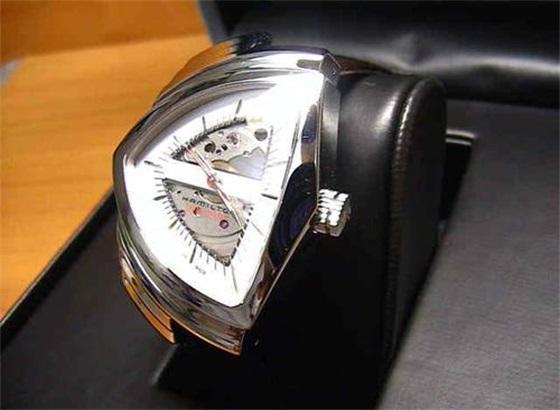 汉密尔顿手表如何打开后盖
