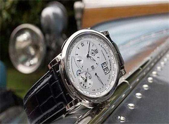 朗格腕表如何分辨出石英表和机械表?
