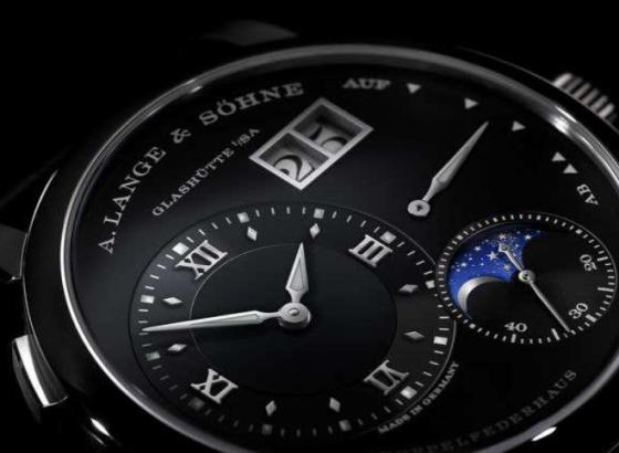 朗格腕表怎样更换电池