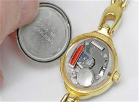 更换爱彼手表电池的几种方法