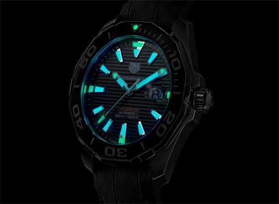 泰格豪雅TAG Heuer Aquaracer乌龟壳效应口径5手表