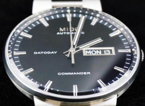 美度手表出现刮痕如何处理