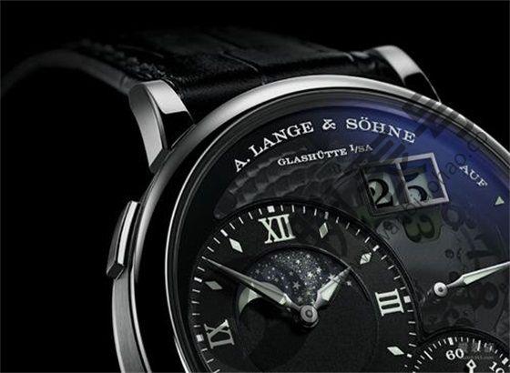 朗格手表如何上弦