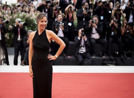 明星在第76届威尼斯国际电影节上展示积家