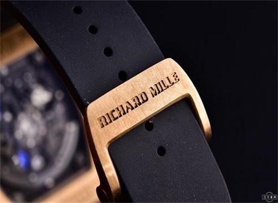 理查德米勒橡胶表带怎么调节长短